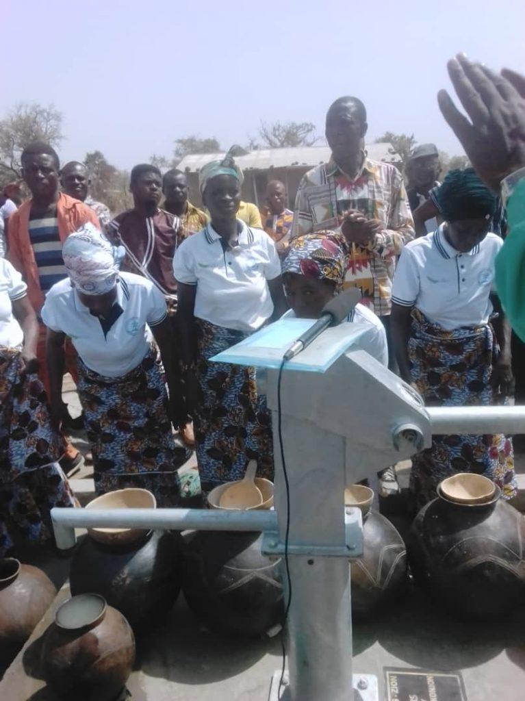 Zion Community Church International Donates a Borehole to Batamayiri